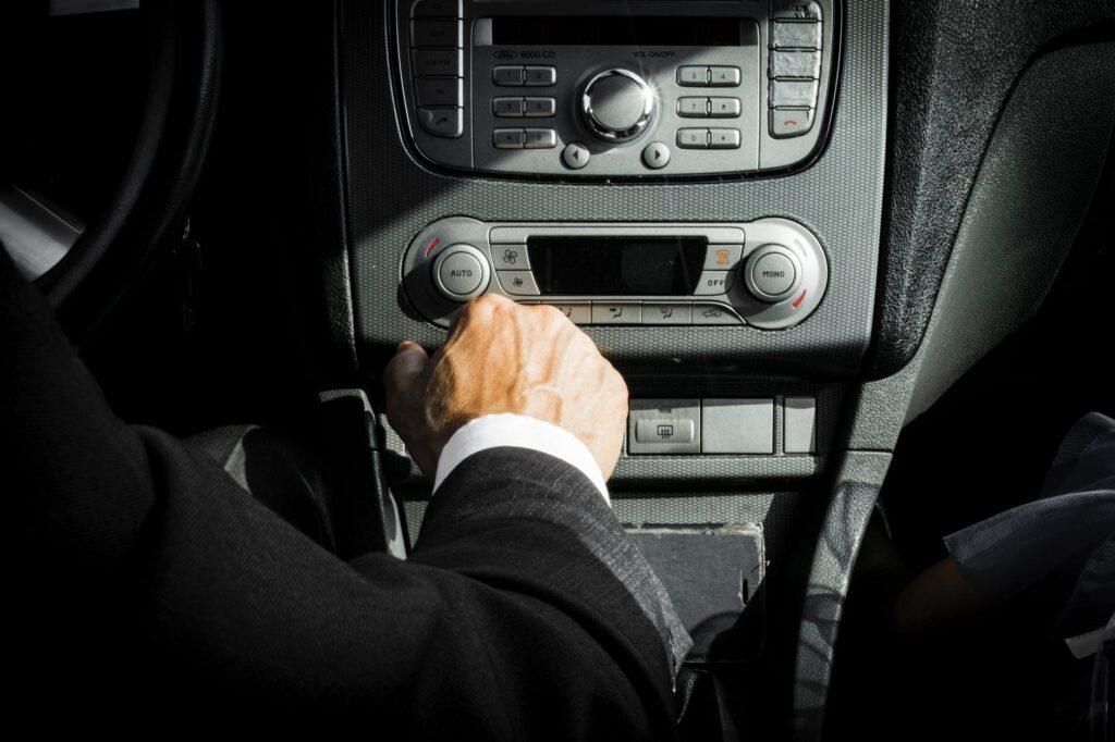 Требования к водителям Яндекс Такси