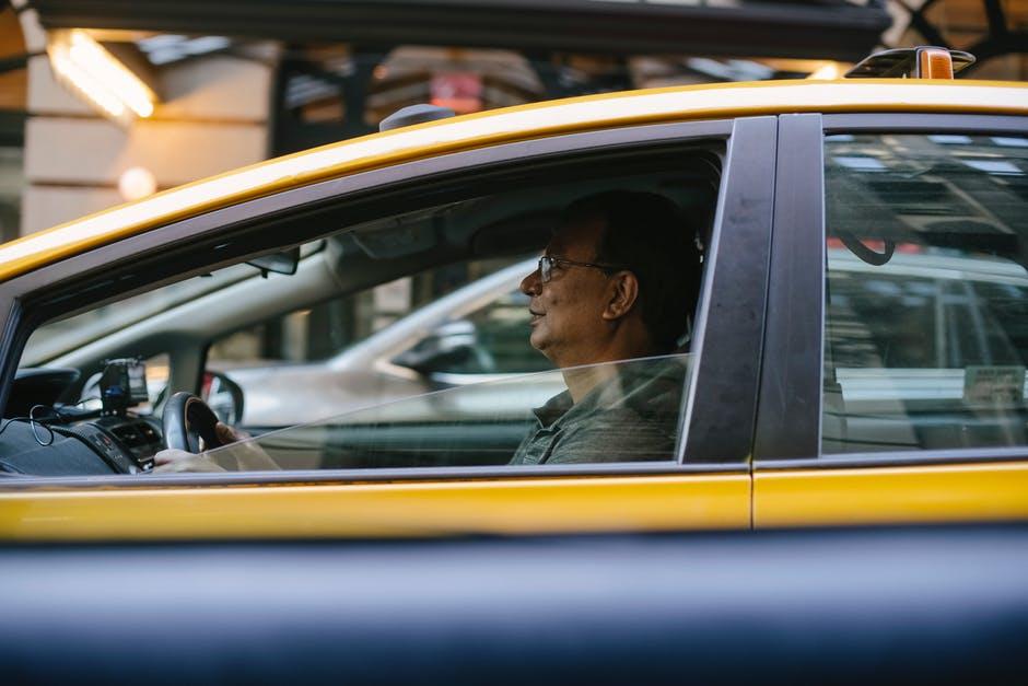 Финансовая поддержка заболевших водителей Яндекс Такси