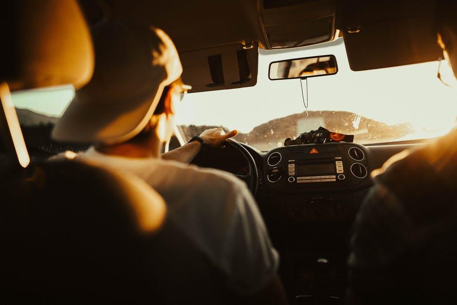 Покупать ли абсолютно новый автомобиль для работы в такси