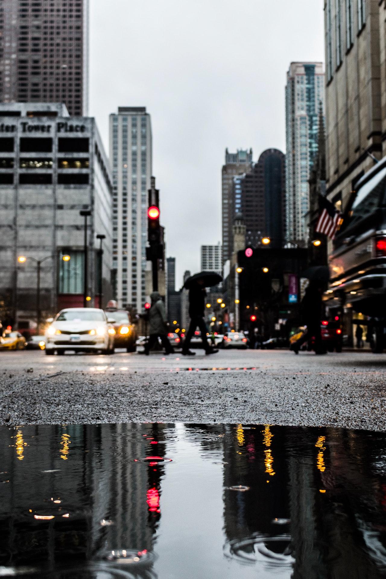 Чистый автомобиль в сезон дождей